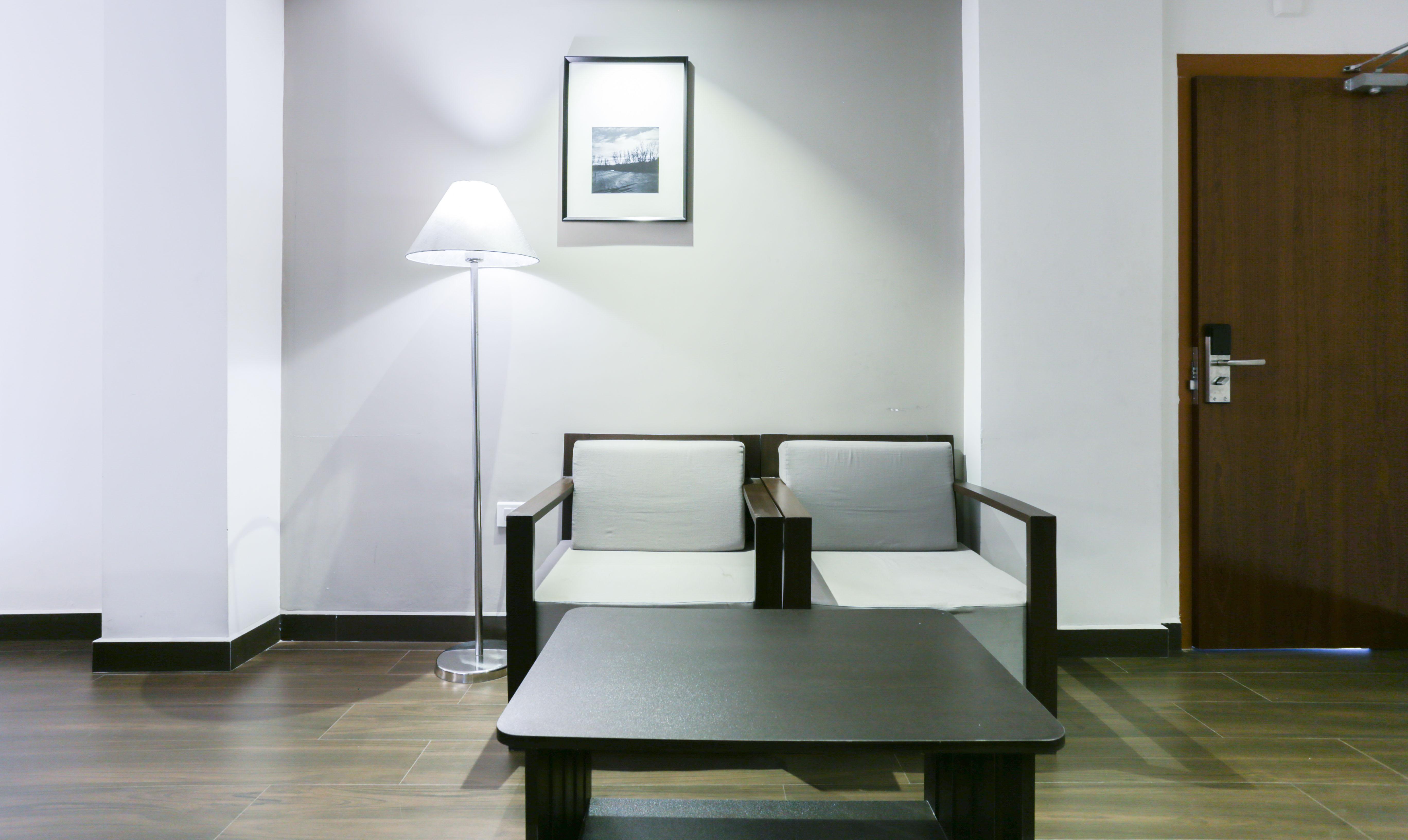 Fine Treebo Trend Crown Suites Kochi Tariff 799 Lowest Interior Design Ideas Apansoteloinfo