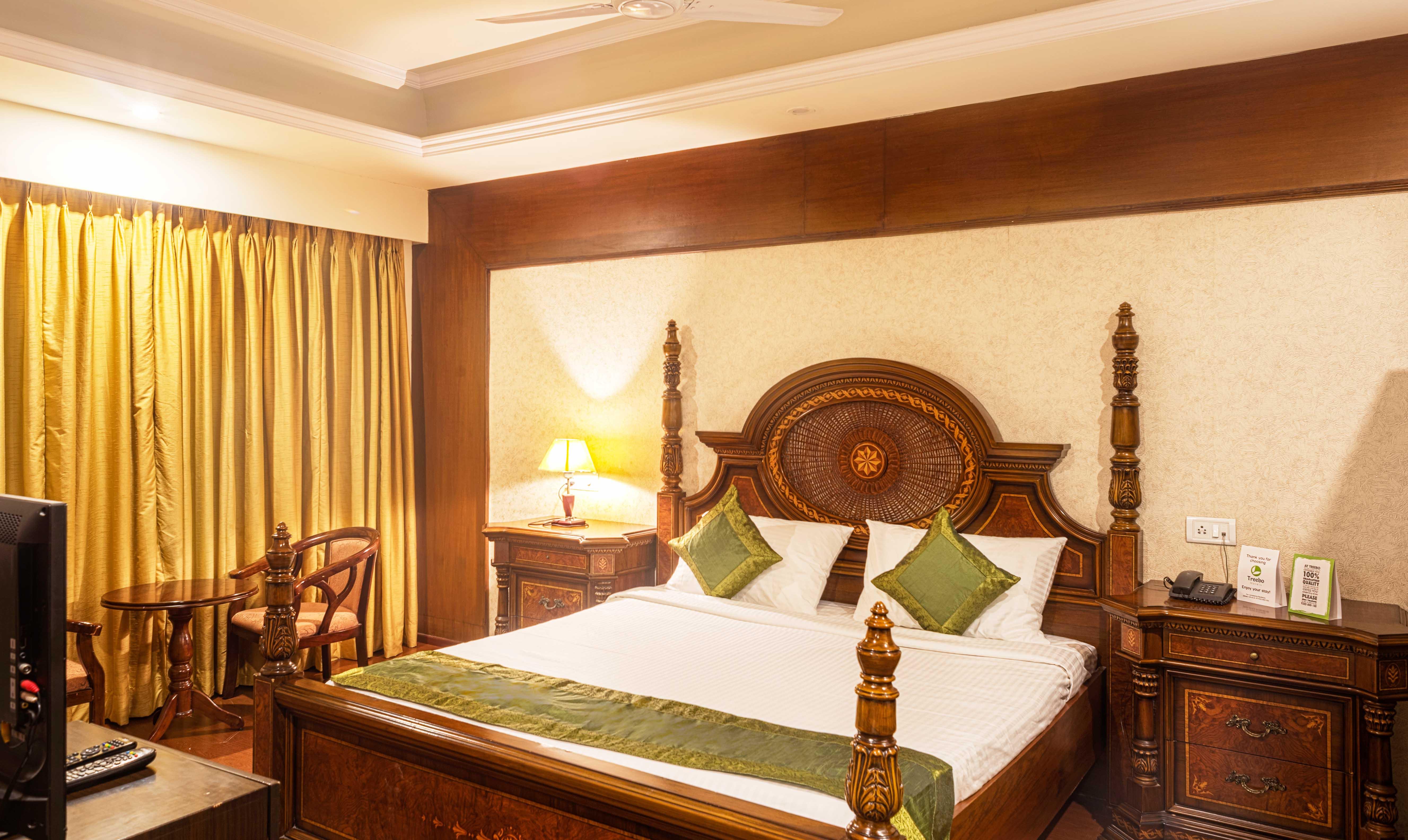Free chat hookup rooms karachi airport hotel