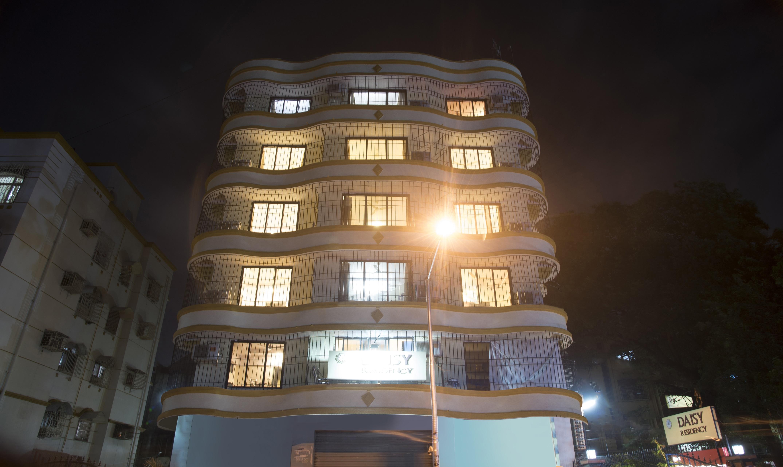 Treebo Trip Daisy Residency, Mumbai   Tariff ₹1655, Lowest Price